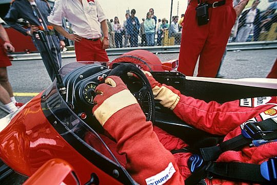 F1 Cockpit Design: Surviving The Drive